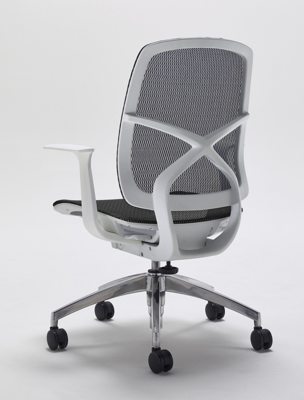 mesh humanscale crop height upload black file pinstripe next world width auto day chair productimages diffrient dest office delivery